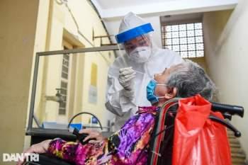 Hà Nội khẩn cấp lấy mẫu xét nghiệm Covid-19 cho 6.000 dân từng đến Đà Nẵng - 10