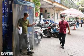 Hà Nội khẩn cấp lấy mẫu xét nghiệm Covid-19 cho 6.000 dân từng đến Đà Nẵng - 2