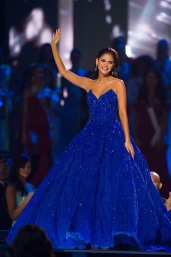 Diện bodysuit, Miss Universe 2018 - Mèo xám Catriona Gray bị chê chân to như cột đình Ảnh 5