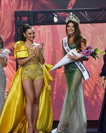 Diện bodysuit, Miss Universe 2018 - Mèo xám Catriona Gray bị chê chân to như cột đình Ảnh 3