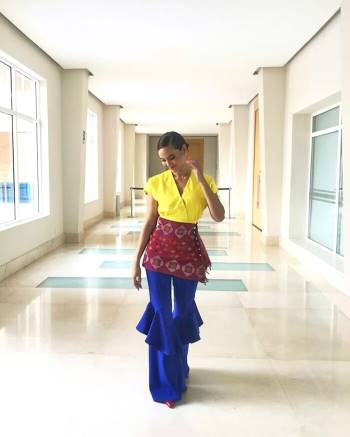 Diện bodysuit, Miss Universe 2018 - Mèo xám Catriona Gray bị chê chân to như cột đình Ảnh 9