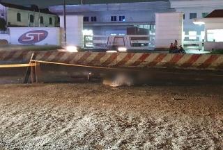 Truy xét xe container cán chết 2 người trong mưa nhưng bỏ đi - Ảnh 2.