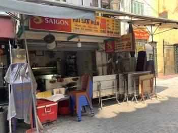 Hàng quán Hà Nội đóng cửa, nhân viên mất việc, không có thu nhập ngay sau Tết Nguyên đán11
