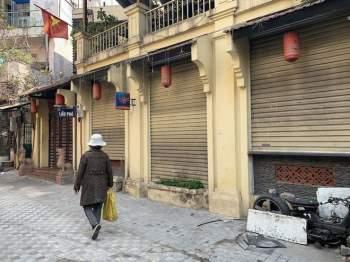 Hàng quán Hà Nội đóng cửa, nhân viên mất việc, không có thu nhập ngay sau Tết Nguyên đán2