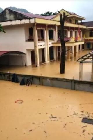 Quảng Bình: 25 thôn bản bị cô lập, nhiều tuyến đường tê liệt vì mưa lũ