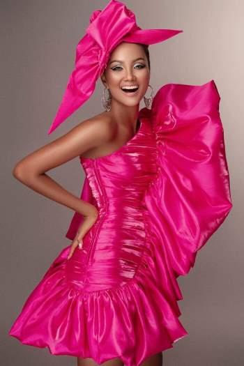 Bộ ảnh 1 năm trước giờ mới công bố của H'Hen Niê, đẳng cấp hoa hậu Hoàn vũ hàng đầu là đây! Ảnh 1