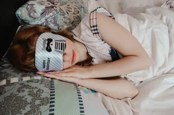 Nên chọn loại vải gì làm đồ ngủ để tránh nóng mùa hè? Ảnh 2