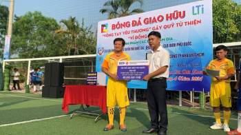 Ông Đoàn Ngọc Hải nhận hơn 370 triệu đồng cho quỹ 'Vì đồng bào' tại Phú Quốc - ảnh 5
