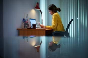 Văn hoá 996 của ngành công nghệ Trung Quốc gây lo ngại tình trạng làm việc tới ch*t - Ảnh 2