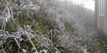 Cận cảnh băng giá ở Cao Bằng, Lạng Sơn trong giá lạnh dưới 0 độ C  - 2