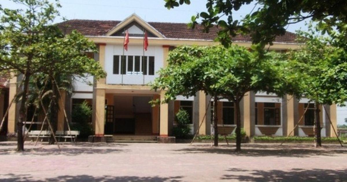 Nhiều học sinh tiểu học ở Hà Tĩnh đồng loạt buồn nôn, ngất xỉu trong lớp
