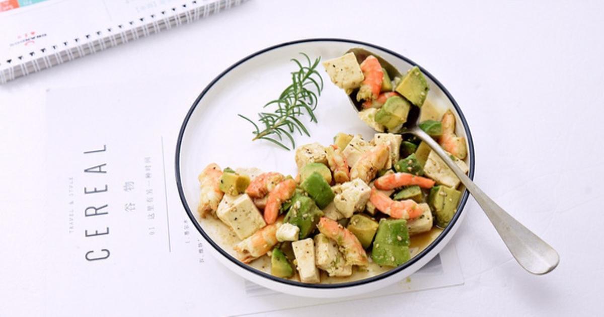 Nửa tháng trung thành với món salad này, bụng mỡ của tôi đã giảm đi trông thấy