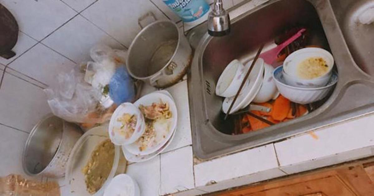 Vợ nhờ rửa hộ mâm bát liền bị chồng hất tung rồi dọa đuổi về mẹ đẻ, nhưng chưa đầy 5 phút sau anh phải cun cút cầm chổi dọn dẹp