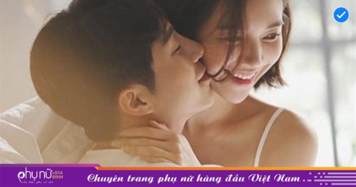"""Đàn ông yêu nhiều thế nào thì hành động """"trên giường"""" của anh ấy sẽ lên tiếng: Nếu anh ấy có thể làm những điều sau, bạn là người phụ nữ vô cùng may mắn!"""