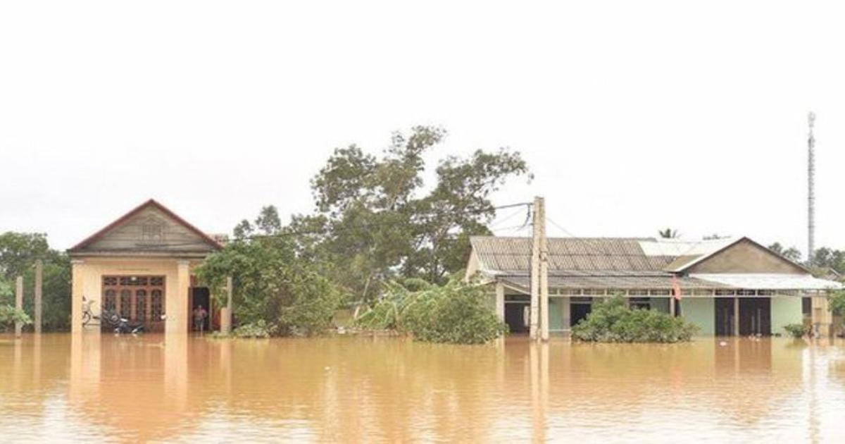 Tính đến ngày 25/10, đã có 148 người chết và mất tích, 885 nhà hư hỏng do mưa lũ tại miền Trung