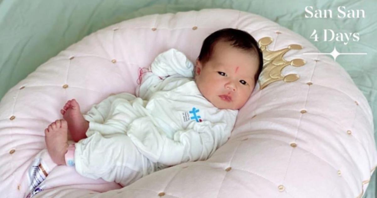 Mẹ con Hằng Túi xuất viện về nhà, bé San San 4 ngày tuổi có một điểm đặc biệt giống hệt anh chị Sữa, Sam
