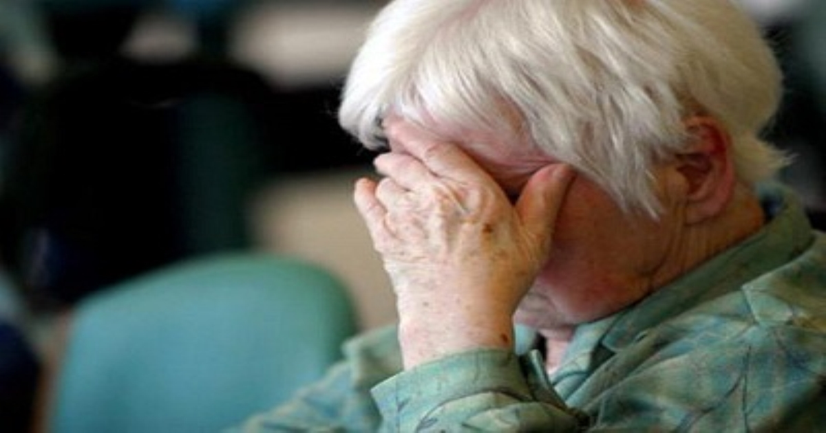 Sự thờ ơ ở người già có thể là dấu hiệu sớm của sa sút trí tuệ