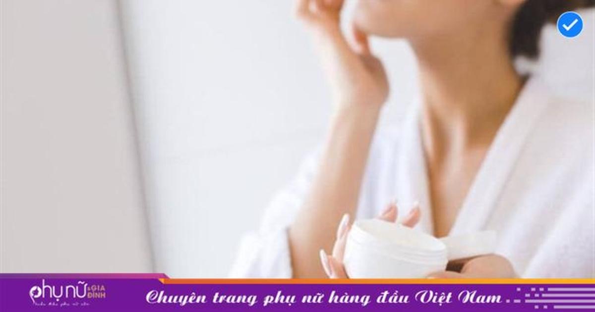 Thời tiết hanh khô có thể gây ra tình trạng da bong tróc, dễ bị kích ứng: Bạn tuyệt đối không nên chủ quan với những điều này!
