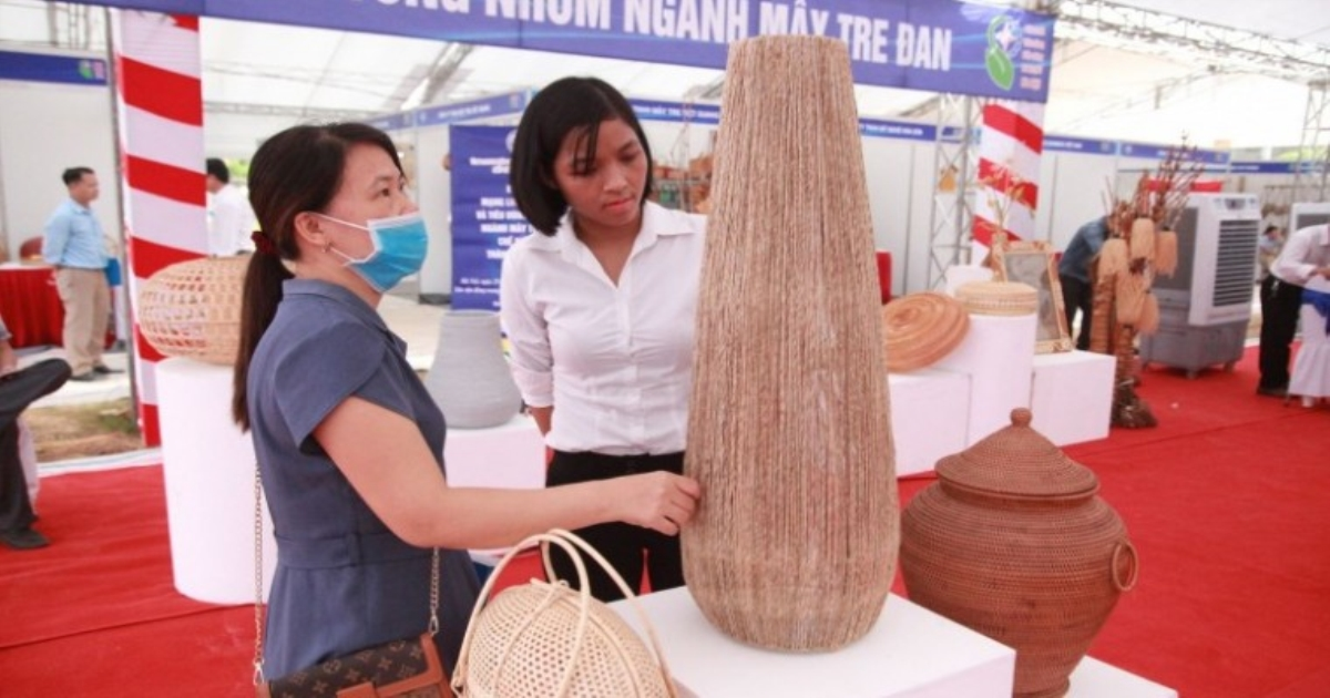 Thông tin sản phẩm: Kết nối mạng lưới sản xuất và tiêu dùng sản phẩm mây tre đan, chế biến gỗ