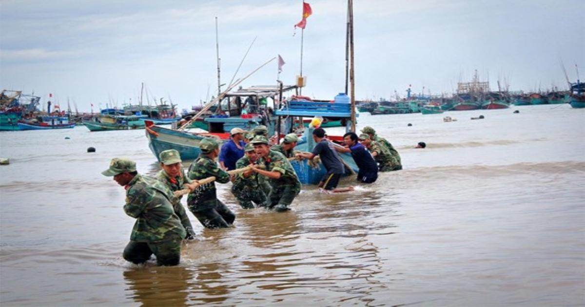 Ứng phó bão số 8, quân đội huy động máy bay, tàu thuyền và gần 700.000 chiến sĩ