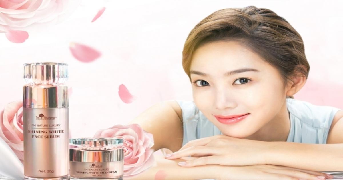 Trắng hồng rạng rỡ cùng bộ dưỡng trắng da Shining White Face
