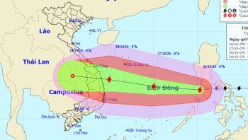 Bão giật cấp 15 đổ bộ Biển Đông, đang di chuyển nhanh vào vùng Đà Nẵng - Phú Yên