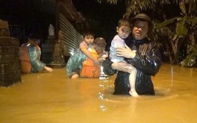 UNICEF: Bão lũ ở miền Trung Việt Nam đe dọa hơn 1,5 triệu trẻ em