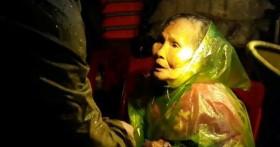 Câu lạc bộ mô tô nước thể thao Nghệ An xé màn đêm tìm cứu người dân trong lũ dữ