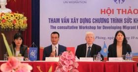 Xây dựng chương trình sức khỏe cho người di cư Việt Nam