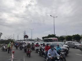 TP.HCM cấm xe qua cầu vượt Nguyễn Hữu Cảnh 6 tháng, người dân đi hướng nào?