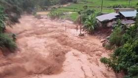 Nguy cơ cao xảy ra lũ quét, sạt lở đất tại các tỉnh miền Trung, miền Bắc mưa lạnh