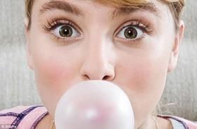 Nhai kẹo cao su có giúp bạn giảm cân?