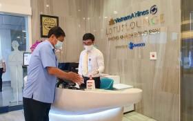 Unilever đồng hành cùng cảng hàng không Quốc tế Tân Sơn Nhất và công ty Sasco phòng dịch cho hành khách