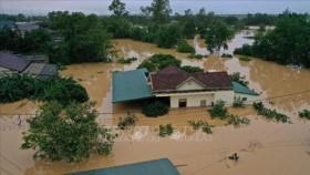 Miền Trung tiếp tục mưa lớn, lũ trên các sông lên cao, cảnh báo lũ lụt, sạt lở đất