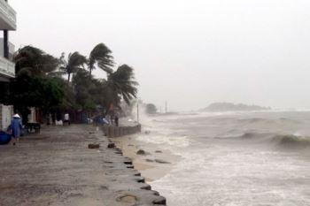 Các tỉnh miền trung khẩn trương ứng phó bão số 9