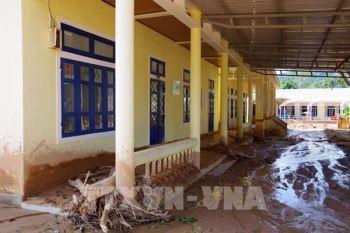 Quảng Trị: 14 trường học còn ngổn ngang sau mưa lũ