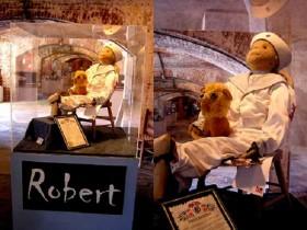Robert – Những câu chuyện về Búp bê ma đáng sợ và lời đồn chưa có lời giải