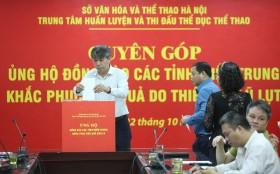 Trung tâm Huấn luyện và thi đấu TDTT Hà Nội ủng hộ đồng bào miền Trung hơn 280 triệu đồng