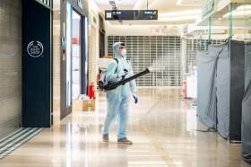 Thêm một người trở về từ Angola dương tính với SARS-CoV-2