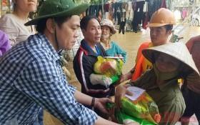 Cơ quan Thường trực Báo Nhân Dân tại Đà Nẵng cứu trợ người dân  vùng lũ Quảng Bình