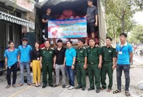 Hội nạn nhân chất độc da cam TP Hồ Chí Minh tặng 10 tấn hàng cho đồng bào miền Trung