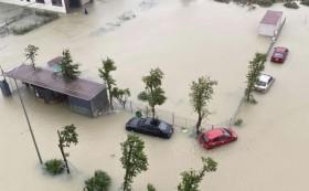 Hồ Kẻ Gỗ xả lũ tối đa, Hà Tĩnh đang phải sơ tán hàng vạn dân