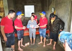 Một doanh nghiệp ủng hộ 4 tấn xúc xích cho đồng bào vùng lũ miền Trung