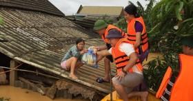 Tiếp tục gia tăng con số thương vong do lũ lụt tại miền Trung