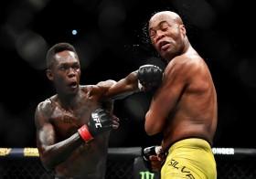 """Israel Adesanya – """"người nhện"""" thống trị hạng bán trung tại UFC"""