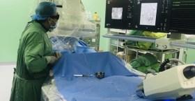 Cứu bệnh nhân liên tục đi tiểu ra máu vì căn bệnh phiền phức mà không cần phẫu thuật