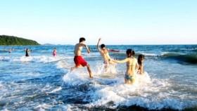 Kỹ năng sống Những điều cần biết khi đi tắm biển ngày hè