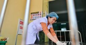 Quảng Bình: Bệnh viện bị nhấn chìm trong trận lụt lịch sử, bác sĩ bồi hồi kể về 4 tiếng căng thẳng mổ sinh cấp cứu giữa tâm lũ