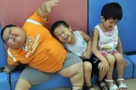Gần 30% trẻ em Việt nguy cơ mắc bệnh đái tháo đường do cha mẹ thích nhồi nhét