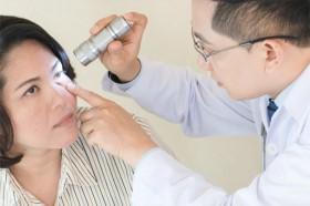 Biểu hiện của mắt nhiều người coi thường nhưng có tác hại lâu dài